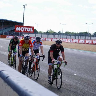 Equipe Clever Age 24h du Mans Velo photo 16